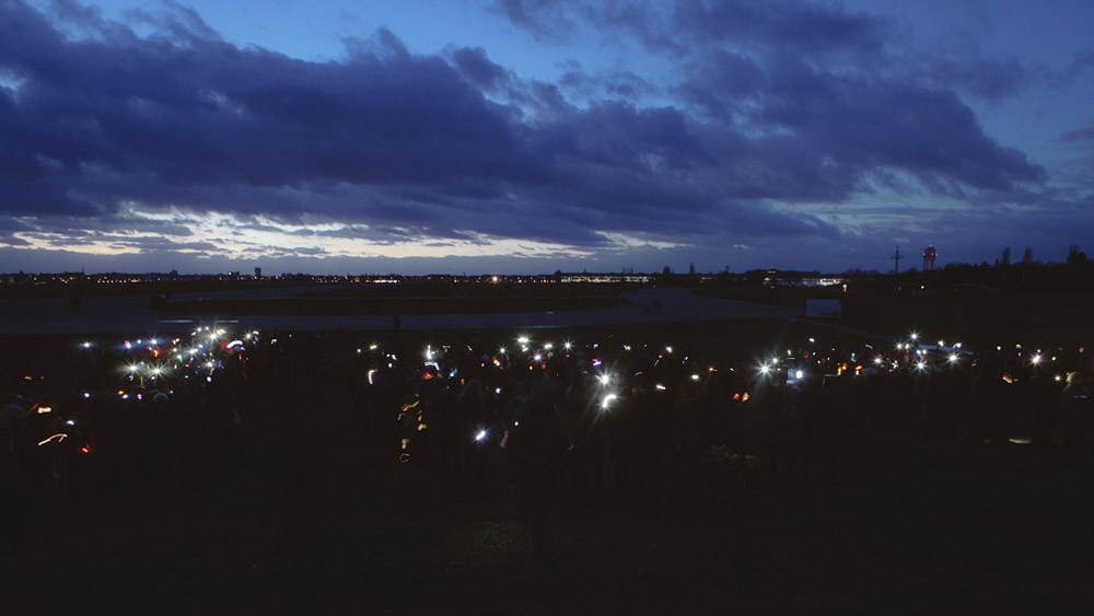 Light flash mob at Tempelhof in Berlin